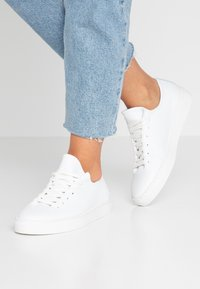 Pier One - Trainers - white - 0