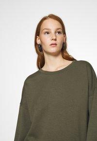 Moss Copenhagen - IMA - Sweatshirt - grape leaf - 4