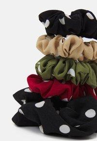 Fire & Glory - UTTI SCRUNCHIE ZAL 5 PACK - Hair styling accessory - black - 1