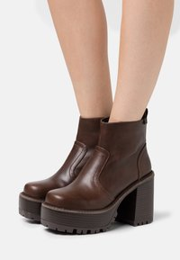 Coolway - BRAT - High heeled ankle boots - brown - 0
