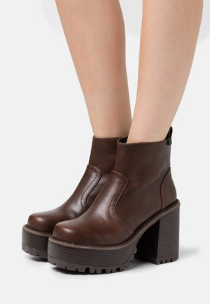 BRAT - High heeled ankle boots - brown