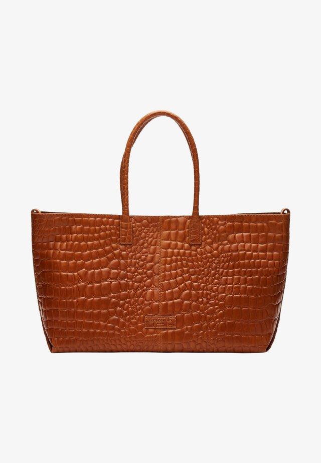 MALIBU MIT KROKOPRÄGUNG - Shopping bag - silver lead