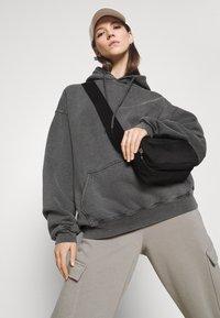 BDG Urban Outfitters - SKATE HOODIE - Felpa con cappuccio - charcoal - 3