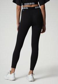Napapijri - M-BOX LEGGINGS - Leggings - Trousers - black - 2