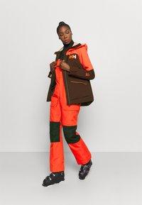 Helly Hansen - POWCHASER LIFALOFT JACKET - Snowboard jacket - wild rose - 1