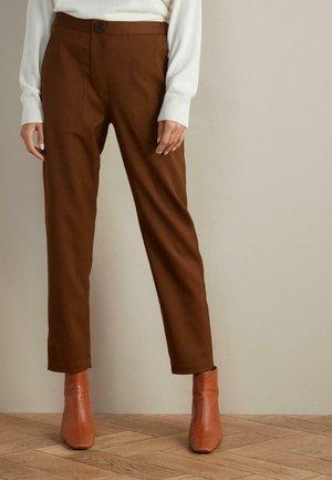 KAROTTEN - Trousers - natürlich - 8685 - rhum
