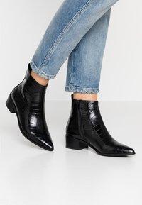 Buffalo - FIONA - Kotníková obuv - black - 0