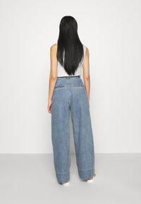 Monki - NANI PALAZZO - Straight leg jeans - blue medium dusty - 2