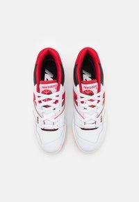New Balance - 550 UNISEX - Matalavartiset tennarit - white/red - 5