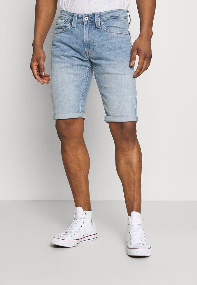 CASH SHORT - Shorts vaqueros - light blue