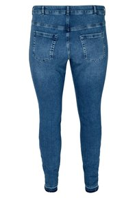 Zizzi - AMY WITH FRAYED EDGES - Slim fit jeans - blue - 2