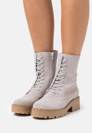 GINTO - Platform ankle boots - light grey
