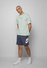 Nike Sportswear - Print T-shirt - pistachio frost - 1