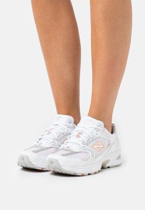 MR530 - Trainers - white