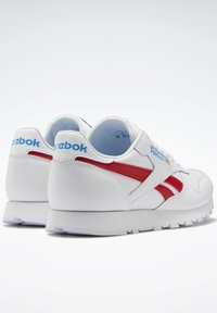 Reebok Classic - CLASSIC LEATHER SHOES - Sneakers laag - white - 7