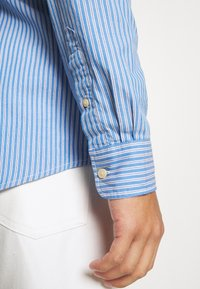 Scotch & Soda - REGULAR FIT CLASSIC - Shirt - light blue - 3