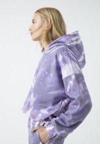 PULL&BEAR - Bluza z kapturem - purple - 3