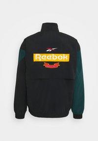 Reebok Classic - VINTAGE TRACKTOP - Träningsjacka - black/forest green - 1
