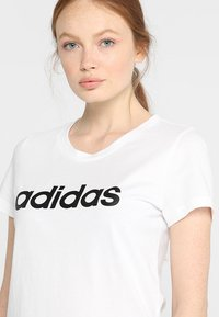 adidas Performance - ESSENTIALS SPORTS SLIM SHORT SLEEVE TEE - T-shirts med print - white/black - 4