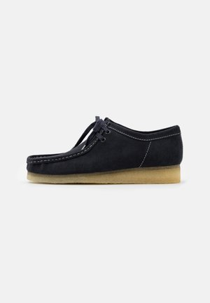 WALLABEE - Casual lace-ups - ink
