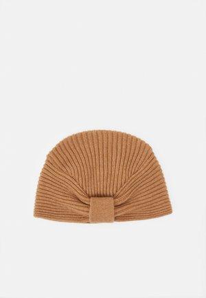 TURBAN - Bonnet - camel
