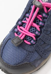 Columbia - CHILDRENS REDMOND WATERPROOF - Hiking shoes - bluebell/pink ice - 2