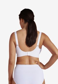 Carriwell - MATERNITY & NURSING BRA WITH PADDED CARRI-GEL SUPPORT - Bustier - white - 2