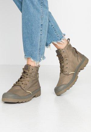 PAMPA LITE+ WP+ - Šněrovací kotníkové boty - dusky green