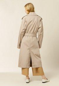 IVY & OAK - PLATANO - Trenchcoat - beige grey - 0