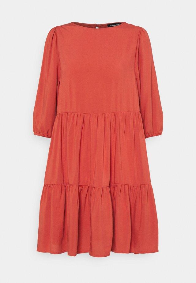 Day dress - light red