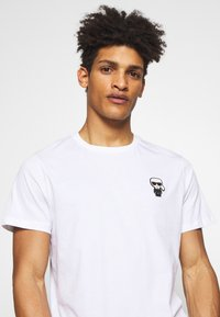 KARL LAGERFELD - CREWNECK - Print T-shirt - white - 3