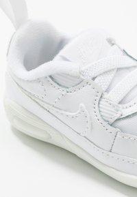 Nike Sportswear - MAX 90 CRIB - First shoes - white - 2