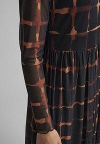 Nümph - NUFREJA DRESS - Day dress - schwarz - 2