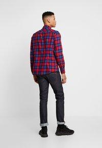 Urban Classics - CHECKED  - Skjorta - red/royal - 2