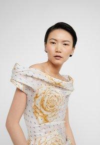 Vivienne Westwood - DEVANA DRESS - Sukienka koktajlowa - natural - 3