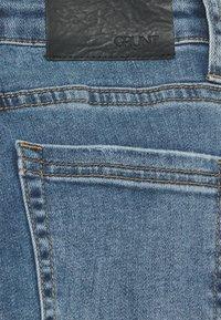 Grunt - VINTAGE - Flared Jeans - acid blue - 2
