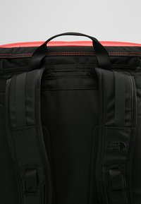 The North Face - BASE CAMP FUSEBOX - Rucksack - red - 5