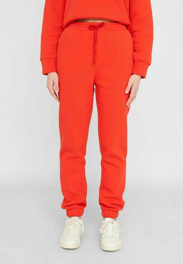 NMNORA - Pantalones deportivos - fiery red