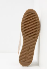Geox - BLOMIEE - Sneakers laag - light gold - 6