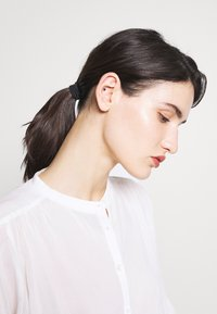 CLOSED - CHERRY - Button-down blouse - ivory - 3