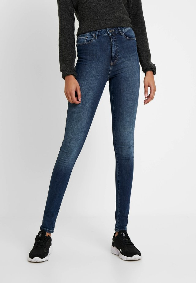 VMSOPHIA - Jeansy Skinny Fit - medium blue denim