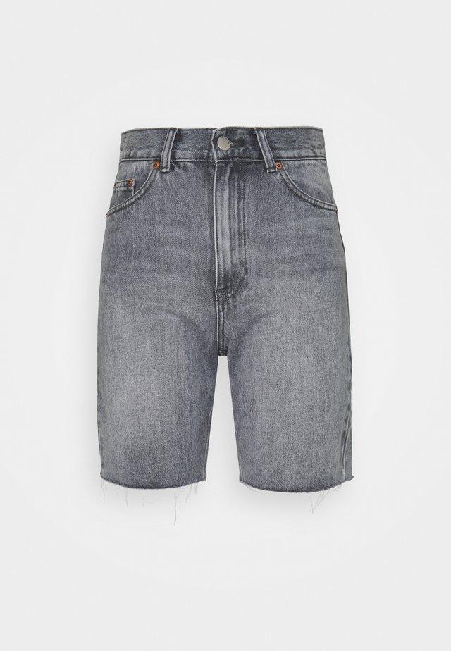ECHO - Short en jean - washed grey