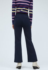 Pepe Jeans - Tracksuit bottoms - dunkel ozaen blau - 2