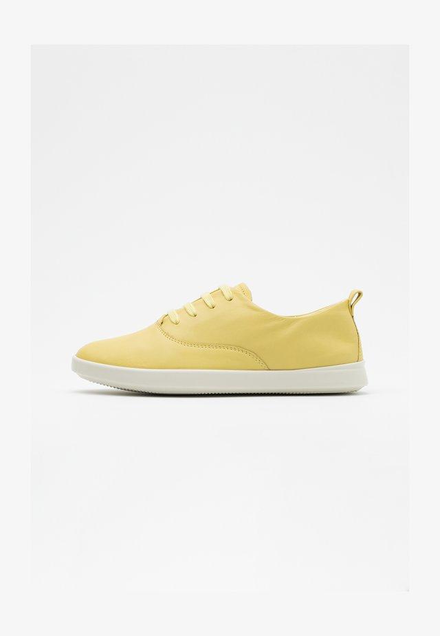 LEISURE - Sneakersy niskie - popcorn cirrus
