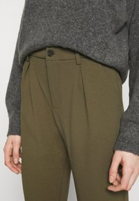Even&Odd - TAPERED PANTS WITH DART DETAIL  - Trousers - olive - 4