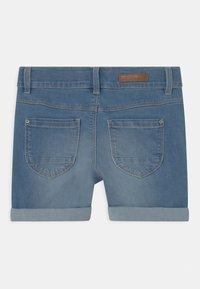 Name it - NKFSALLI - Jeans Short / cowboy shorts - medium blue denim - 1