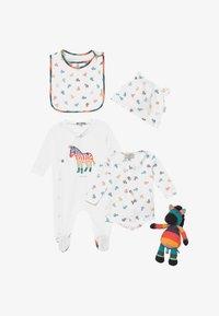 Paul Smith Junior - AUBERTIN SET - Baby gifts - white - 3