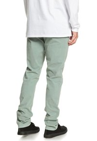Quiksilver - KRANDY - Trousers - chinois green - 2