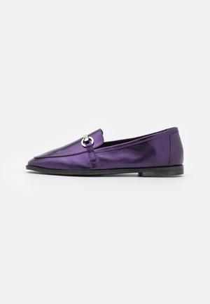MASSYL - Slip-ons - violet