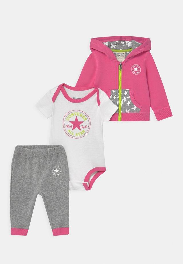 HOODIE SET - Cadeau de naissance - pink